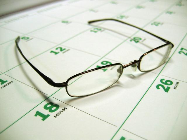 správné brýle patří vždycky na kalendář